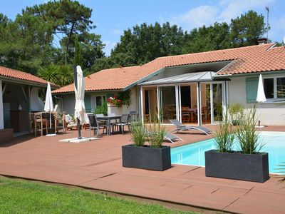 Photo for Villa landaise (at the gateway to the Basque Country) with swimming pool near the beaches