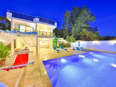 Photo for Spacious New 2 Bedroom Villa with Secluded Infinity and Childrens Pool
