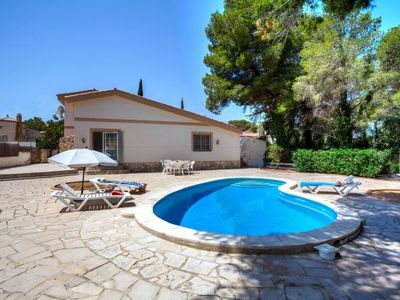 Photo for 2 bedroom Villa, sleeps 8 with Pool, WiFi and Walk to Shops