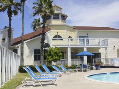 Photo for TOES FROM THE BEACH PET FRIENDLY* Padre Isl condo**Schlitterbahn**Golf*Fishing!