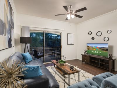 Photo for Beautiful 2 bedroom, 2 bathroom condo w/pools, hots tubs, BBQ grills, and more - By PADZU