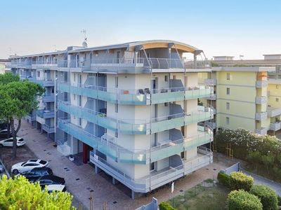 Photo for Holiday resort Condominio Vivaldi, Bibione  in Venetische Adria - 6 persons, 2 bedrooms