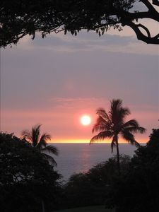 Spectacular sunsets from our lanai!