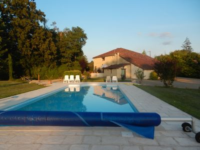 Photo for The sweetness and gastronomy of the Gers. Spacious house on 1 ha, 4 bedrooms, pool