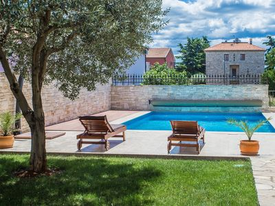 Photo for Holiday apartment Novigrad for 4 persons with 2 bedrooms - Holiday apartment in one or multi-family