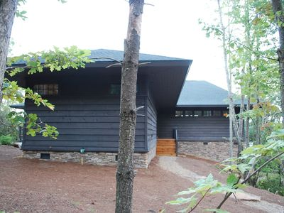 Prairie Style Mountain House sits well on the wooded site