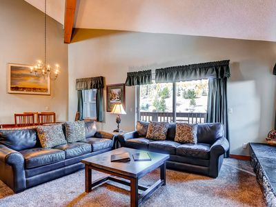 Photo for Ski-in/ski-out condo w/ shared pool, shared hot tub, gas fireplace, and loft!