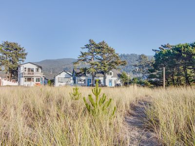 Photo for Cozy dog-friendly rental with easy beach access & gorgeous oceanfront views!