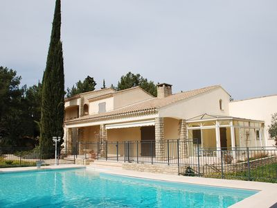 Photo for Attractive villa, swimming pool, park, 8 people