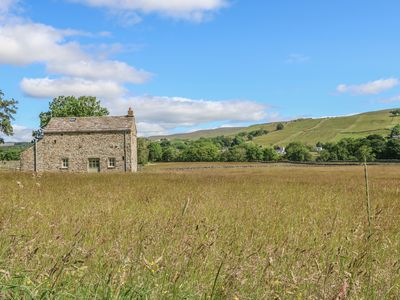 Photo for SHEPHERD'S COTTAGE, pet friendly, with a garden in Holwick, Ref 609