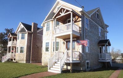 Photo for Pier Area,Walk to beach,SUN-SUN,Sleeps 8 per side -inquire about both sides