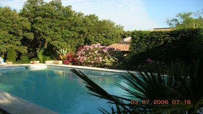 Photo for Relaxation and discovery 7 minutes from Avignon, in villa with garden, swimming pool access