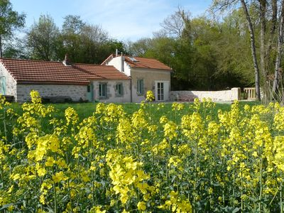 Photo for Charming Cottage, the countryside 10 minutes from Dijon
