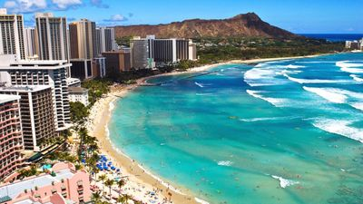 Photo for Breathe In The Relaxation At Waikiki Beach!