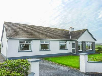 Photo for Goodlands Cottage, MILTOWN MALBAY, COUNTY CLARE