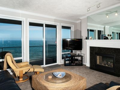 Photo for *Promo!* Top Floor Oceanfront Condo-Hot Tub/Wifi/Indoor Pool/HDTV & Much More!