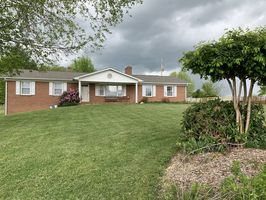 Photo for 3BR House Vacation Rental in Woodlawn, Virginia