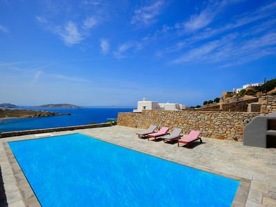Photo for 5 bedroom villa in Mykonos, Choulakia