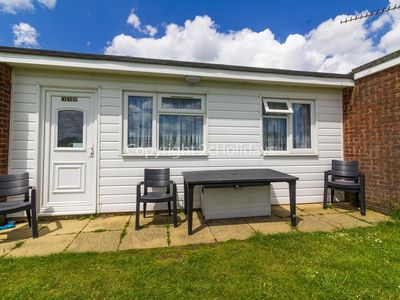 Photo for 7 berth dog friendly chalet for hire in Scratby, Norfolk  ref 52338