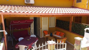 HOUSE ON THE COAST OF NEBIDA, LARGE YARD AND TERRACE, SEA, RELAX ALL THE COMFORTS - CASA BARBARA