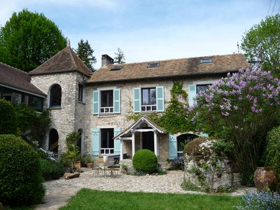 Photo for Charming country house 1 hour from Paris center