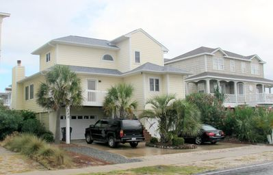 Photo for Perfect for Beach And Boating! 5 bed / 4 bath Canal home and close to the beach!