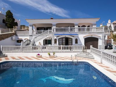 Photo for Wonderful villa with sea views and private pool.