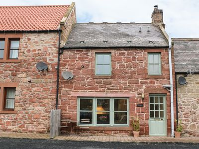 Photo for ANGUS COTTAGE, pet friendly in Chirnside, Ref 973692