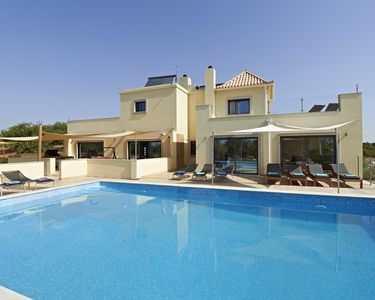 Luxury Private 9 Bed, 9 Bath Villa with Air Con, Hot Tub 2021 Bookings now Taken
