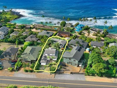 Location!!! Pua Lani is two houses just around the corner from Baby Beach