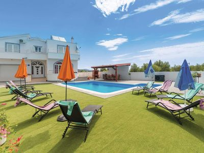 Photo for 4 bedroom Villa, sleeps 7 in Ražine with Pool, Air Con and WiFi