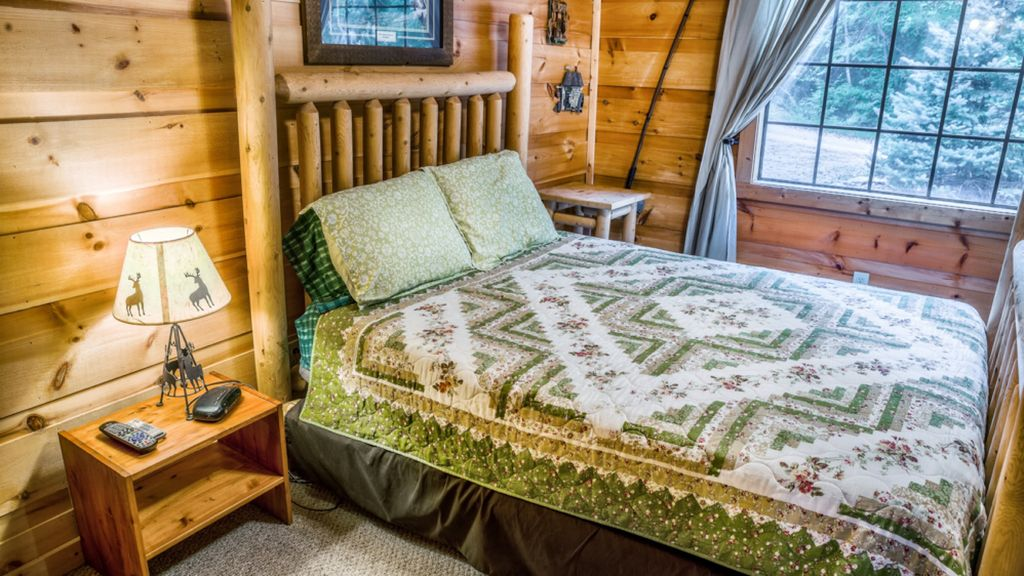 6 bedroom cabins NO MOUNTAIN Roads 3 cabins 1 price Perfect ...