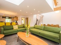 Very modern and clean accommodation , Linda the owner was very hospitable, would recommend.