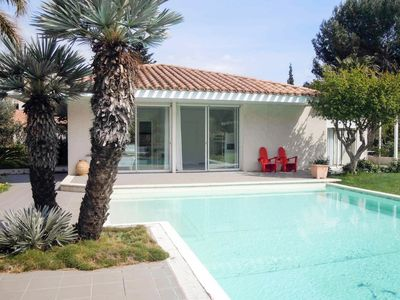 Photo for Villa with pool, sleeps 4, near beach, near Perpignan Cabestany