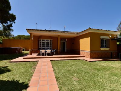 Photo for Classic and comfortable villa  with private pool in Chiclana de la Frontera, Andalusia, Spain for 6 persons