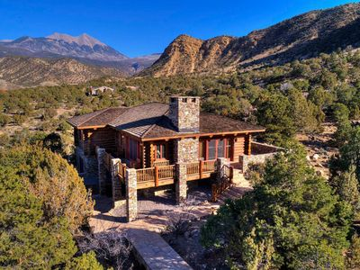 Photo for Luxurious Log Cabin Near Moab & Red Rock Canyons!