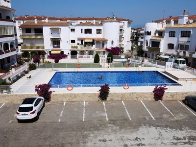 Photo for Apartment 400 meters from the beach with communal pool