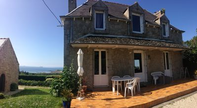 Photo for in PORT-BLANC 3 * sea cottage on the Côte de Granit Rose, sea view, quiet area