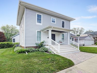 Photo for INDIANA AVENUE BEACH HOUSE 5 BDRMS. 4 BATHS. ACCOMMODATES TWELVE GUESTS!