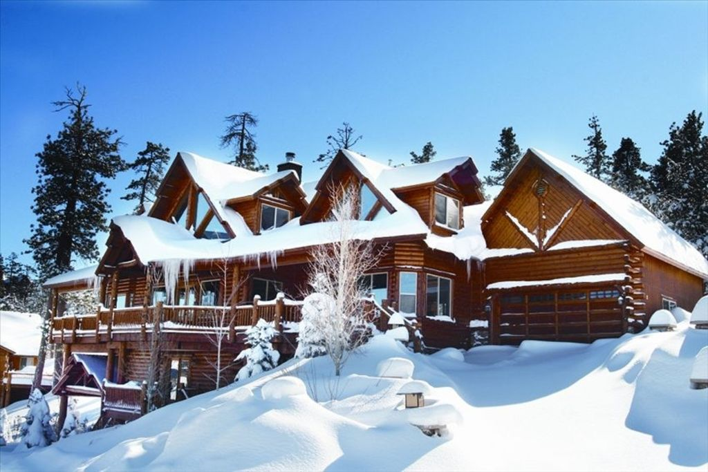 Spectacular Winter Lodge To Fit All Castle Glen Estates