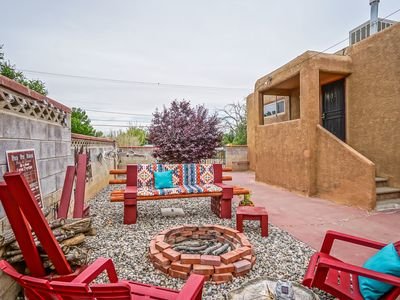 Photo for Nob Hill Guesthouse, King Bed,  Patio w/Firepit