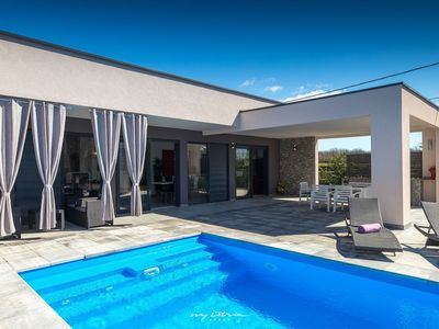Photo for Beautiful family villa with pool in Central Istria