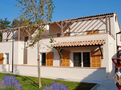 Photo for One bedroom Villa, sleeps 6 with Pool, Air Con, WiFi and Walk to Shops