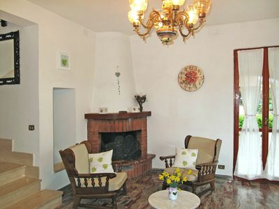 Photo for Beautiful apartment for 6 people with WIFI, balcony, pets allowed and parking