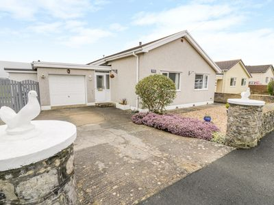 Photo for CORORION COTTAGE, family friendly in Benllech, Ref 996683