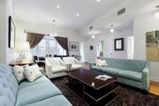 Luxury Designer 3 Bedroom - Prime Location - 1500sf -