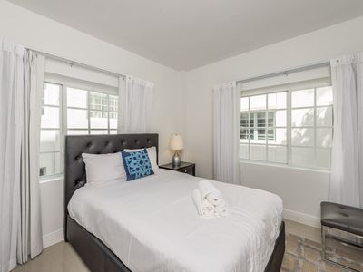 Photo for Belleza 3 Bedroom/2 Bathroom Sleeps 8 Two minute from beach