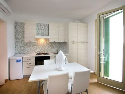 Photo for Eder  apartment in Pescoluse with air conditioning, shared garden & balcony.