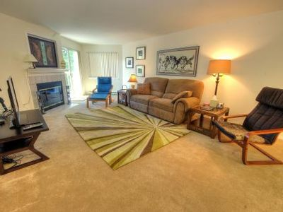Photo for Attractive & Comfortable Upscale Condo Close to Everything