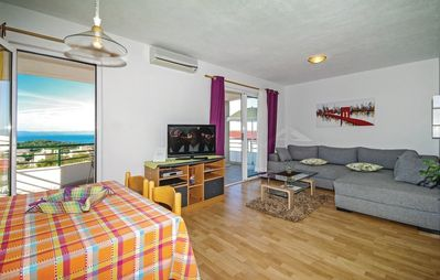 Photo for Apartment in the center of Makarska with Internet, Air conditioning, Parking, Terrace (164933)